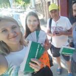 В городе Астрахань 20 августа волонтеры и участники третьего этапа реабилитации, проходящие реабилитацию по программе «Исход», провели акцию среди населения